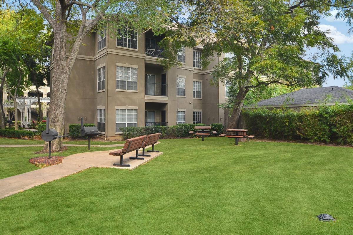 Midtown Arbor Place Apartments in Houston- Midtown Houston Texas